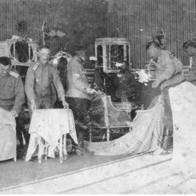 Російські офіцери у Тартакові. 1915