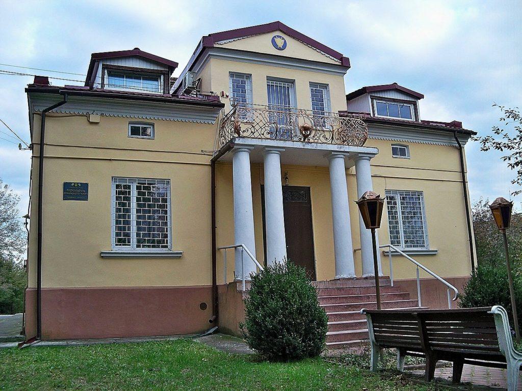 Житловий будинок на Шептицького
