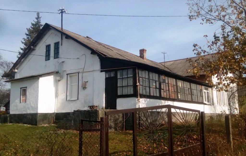 Новодвірська школа