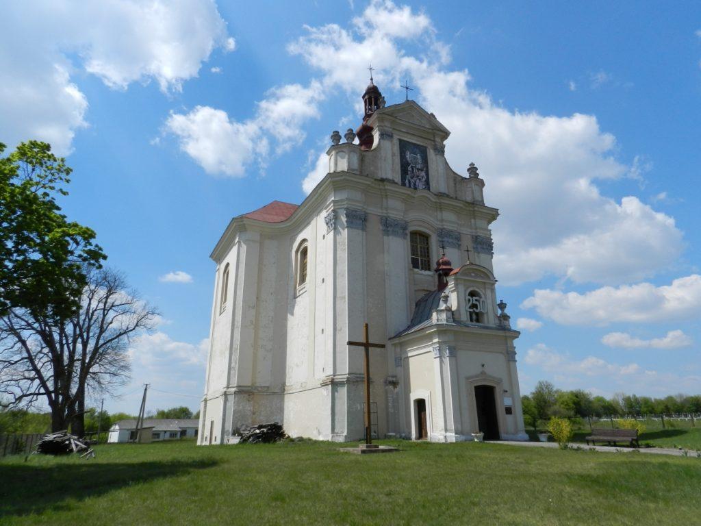 Марійний культ і барокова розкіш костелу в Лопатині