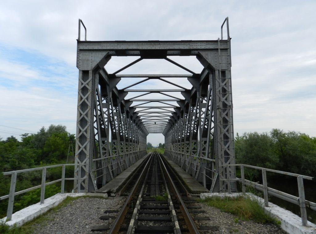 Залізничний міст через Рату