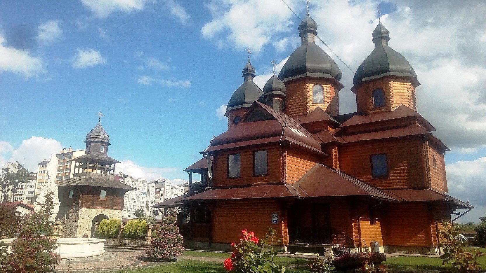 Церква Пресвятої Богородиці Владичиці України