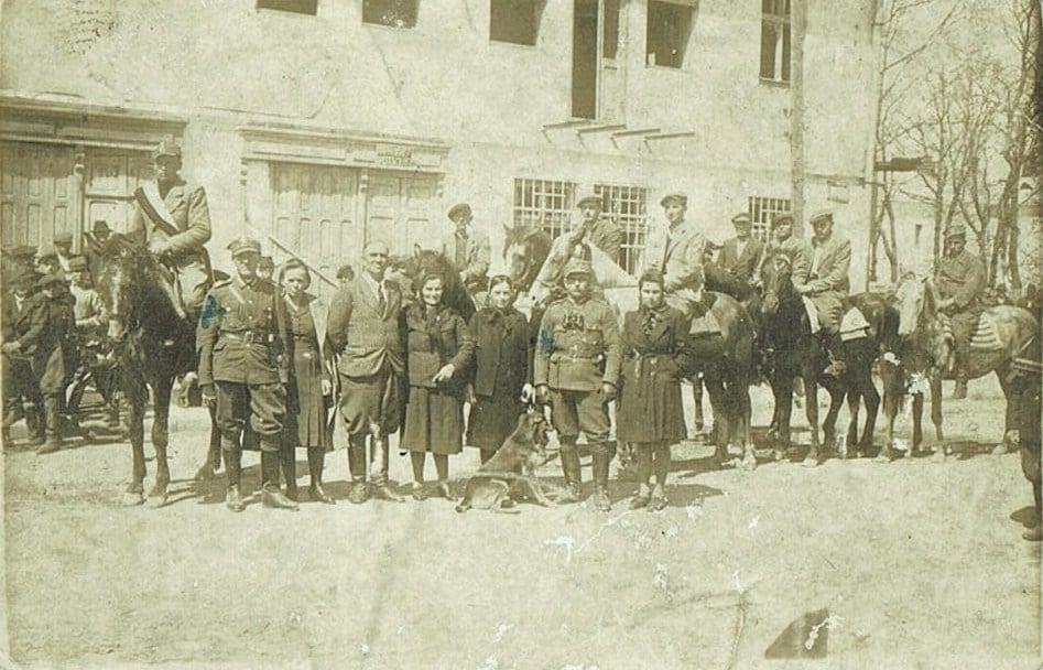 Ідентифікація однієї будівлі на старій фотографії з Кристинополя